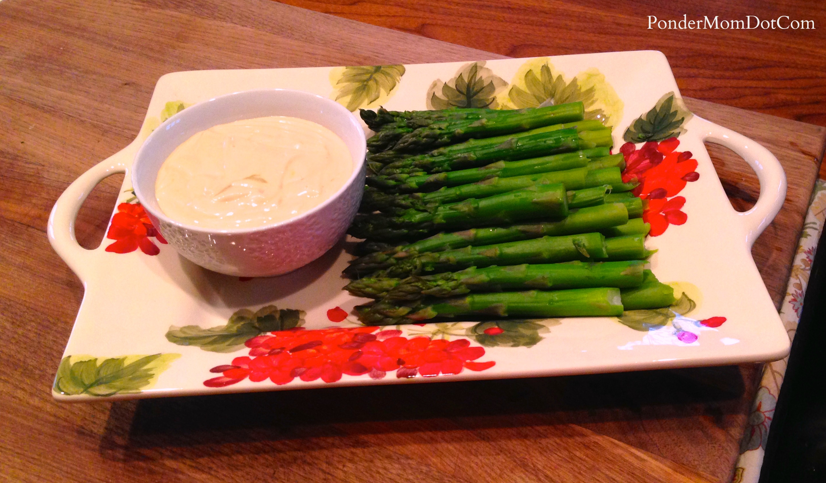 Christmas Appetizer: Asparagus with Wasabi Mayo Dip