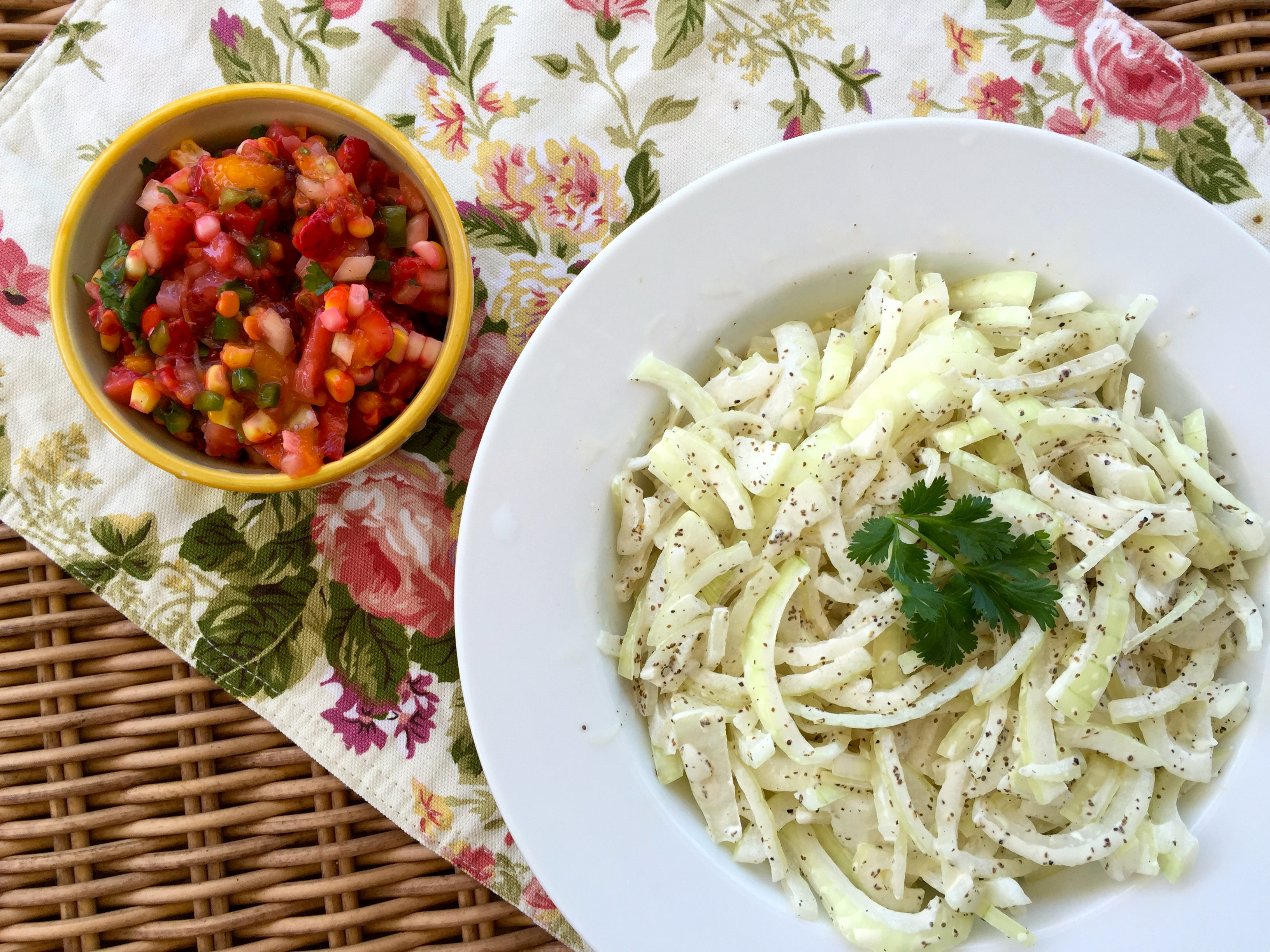 Strawberry Jalapeño Salsa and Sweet Vidalia Onion Slaw: Perfect Sides for a Steamy Poolside BBQ!